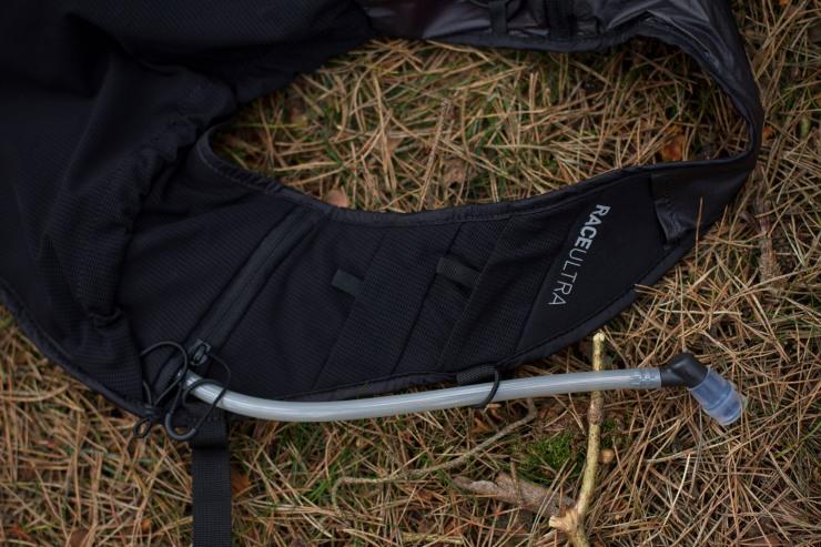 inov8 race ultra 10 harness pockets