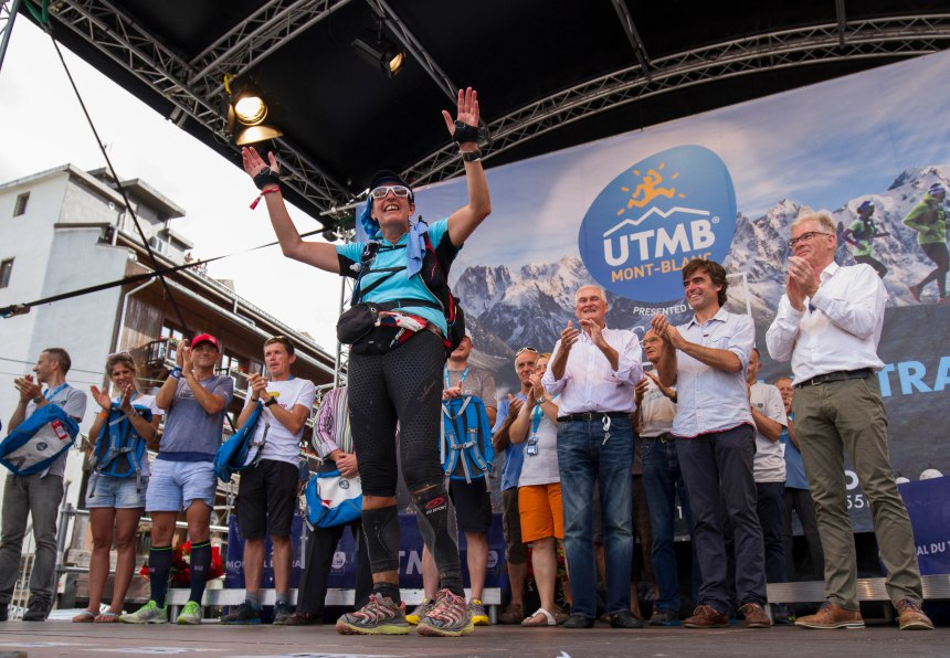 utmb-final-finisher-on-stage