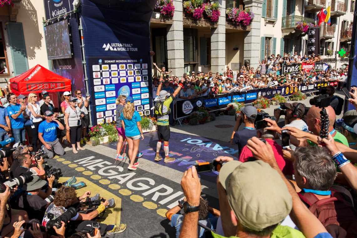 utmb-finish-winner-eyes-of-the-world