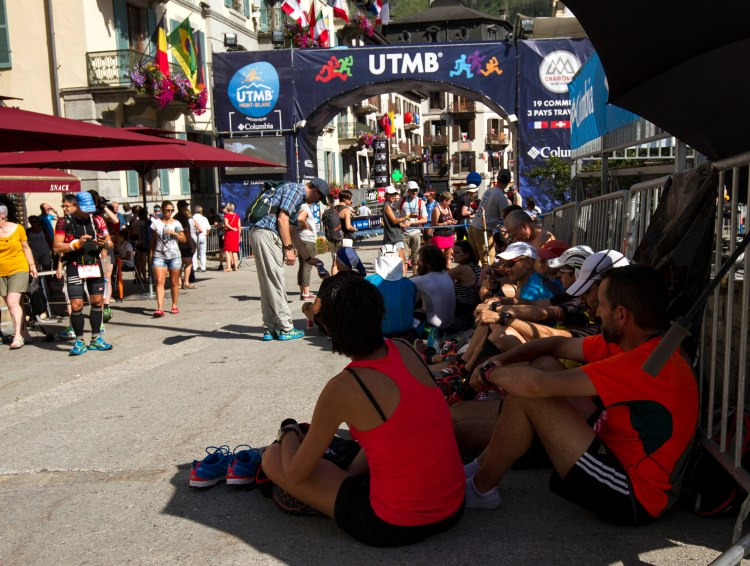 utmb-pre-race-seeking-shelter