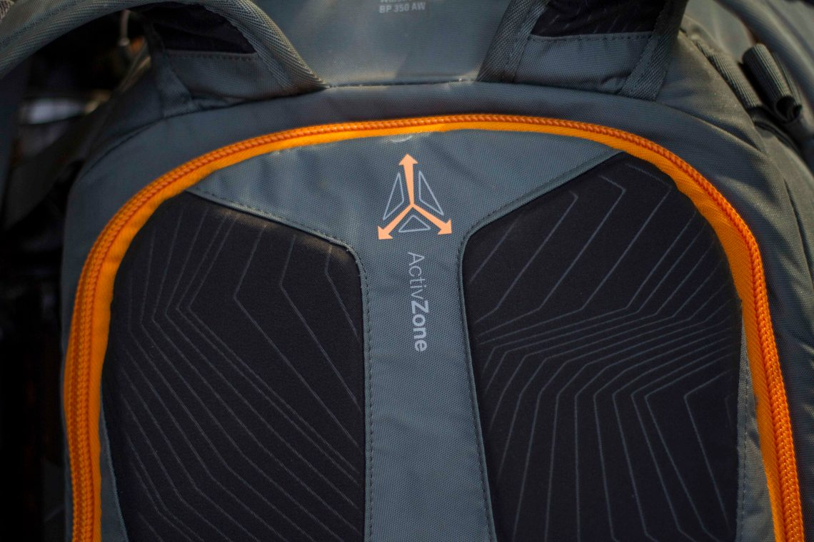 lowepro-whistler-back-pannel-closed