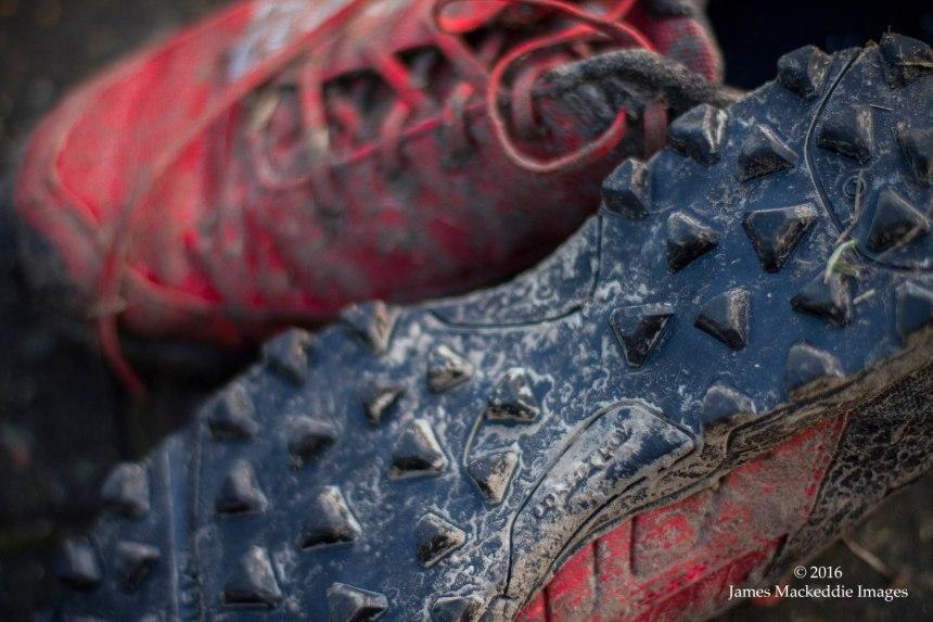 inov8-mudclaw-300-mud-2