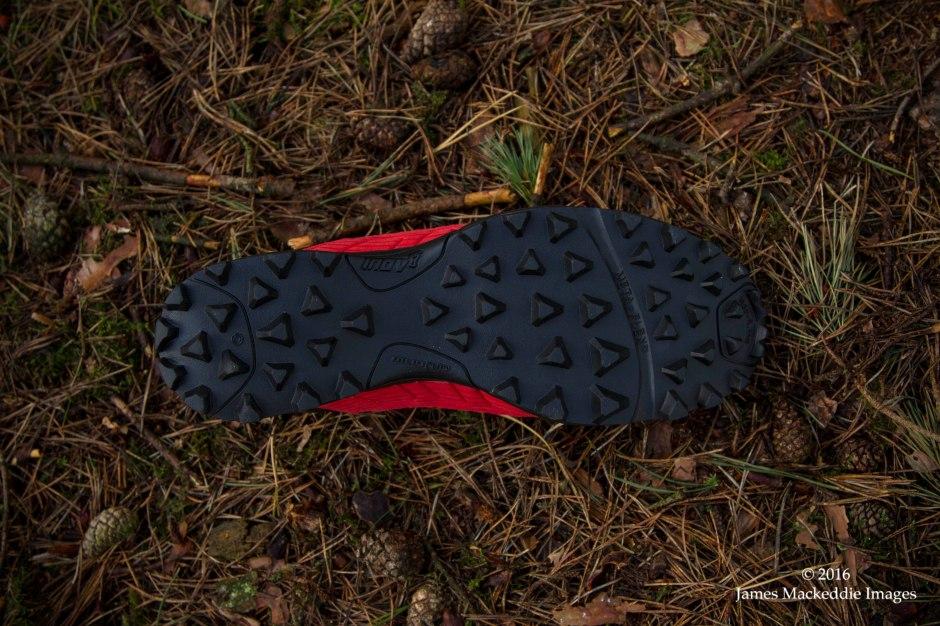 inov8-mudclaw-300-sole-single