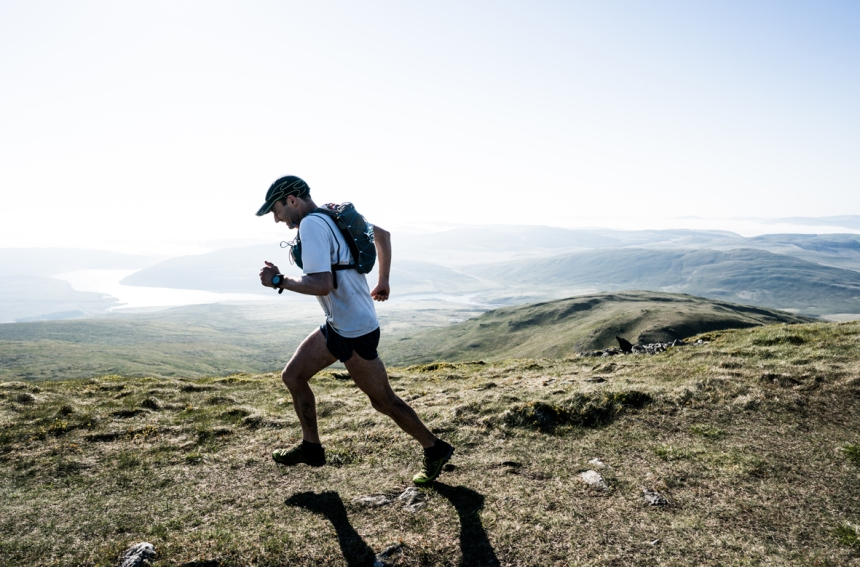 2 Jim Mann works hard to make up lost time on day three of the Berghaus Dragon's Back Race - photo Ciancorless.com