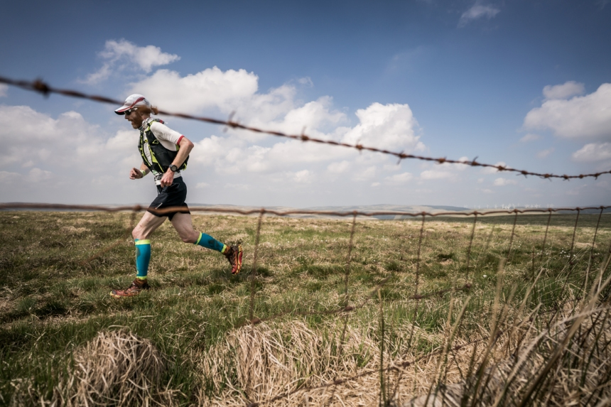 4 Marcus Scotney works hard in the heat on day four of the Berghaus Dragon's Back Race - photo Ciancorless.com